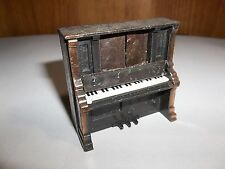 "METICUOUSLY DESIGNED 1976 DURHAM MINATURE DOLLHOUSE 2-1/2"" DIECAST PIANO NO.35"