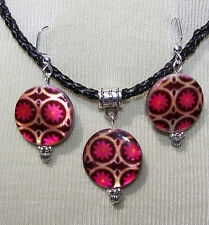 FLORAL DESIGN SHELL DISC ON BLACK  CORD NECKLACE & EARRINGS pink black handmade