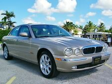 Jaguar : XJ8 Base Sedan 4-Door