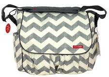 New SKIP HOP Dash Messenger Diaper Bag, Grey & Off White Chevron Design, Unisex