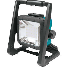 Makita DML805 18-Volt LXT Lithium-Ion Cordless 20 LED Flood Light, Bare Tool