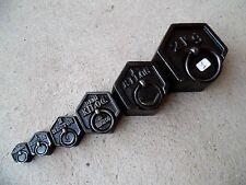 n°1) série de 6 poids hexagonaux en fonte anciens pour balance Roberval