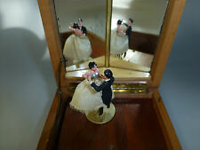 VINTAGE REUGE COUPLE DANCING BALLERINA MUSIC JEWELRY BOX ( WATCH VIDEO )