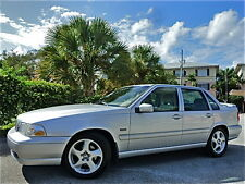Volvo : S70 S70 T5 (like R)