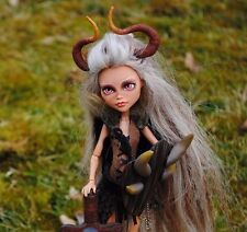 Monster High OOAK hija de un Viking Doll Repaint Cleo de Nile