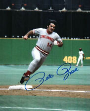 Autographed PETE ROSE 8x10 Cincinnati Reds Photo - COA