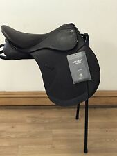 Shires optimus leather brown GP saddle 17.5 M (blue gullet)