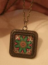Lovely Swirl Rim Brasstone Green Red Beige Starburst Flower Pendant Necklace