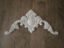 **** ORNATE FRENCH CENTER PIECE WHITE DECORATIVE  MOULDING / PEDIMENT RESIN ***