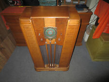 SILVERTONE SEARS  8 large tube radio BC/SW/POLICE  #1965  oak wood console 1936