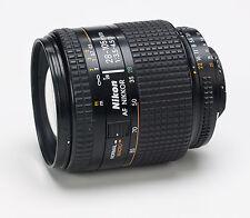 Nikon AF Nikkor  28-105mm 1:3.5-4.5 D AF macro zoom lens