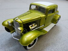 Ford Five Window Release No. 1 1932 lemon cosmic dust ACME Modellauto 1:18