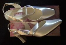 Katz Diana White Satin Bridal Shoes Size 8 With 2.5 Inch Heel Dyeable Bridesmaid