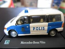 Cararama 1:72 Mercedes-Benz Vito Polis Police Sweeden w/ Display Case