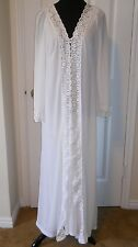 Vntg. Formfit Rogers nightgown & peignoir set size M- lots of lace, Ex.cond