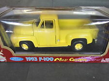 Road Legends 1953 Ford F-100 Pick Up - 1/18 Scale Yellow