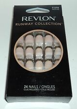 REVLON Runway Collection Nail Kit MEDIUM Length 24 Nails 91098 Medium NIB
