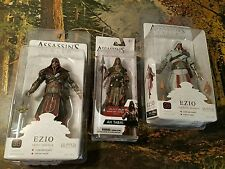 EZIO HOODED IVORY & EBONY LEGENDARY ASSASSIN'S CREED 2 BROTHERHOOD NECA