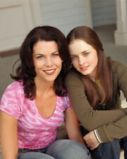 Lauren Graham & Alexis Bledel (2845) 8x10 Photo