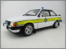 Ford escor xr3i Cambridgeshire Constabulary Model-ICONS 1:18 OVP nuevo
