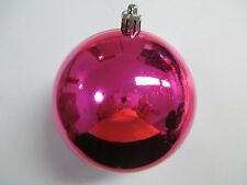 Pack of 10 Extra Large 100mm Hot Pink Decorated Christmas Baubles (BA100HP)