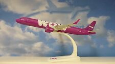Herpa Wings 1:200 SNAP FIT Airbus A321  WOW  Air TF-MOM  611299