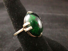 VINTAGE STERLING SILVER GREEN ART GLASS RING (SELF SIZABLE)