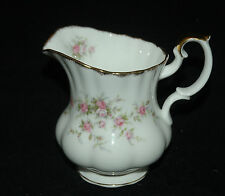 "ROYAL ALBERT PARAGON FINE VICTORIAN CHINA CREAMER 4"" VICTORIANA ROSE PATTERN"