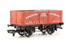 DAPOL 'OO' LIMITED EDITION 'DONCASTER NEW ROYAL INFIRMARY' 7 PLANK WAGON