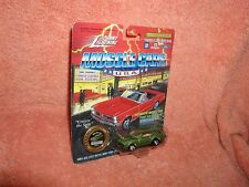 Johnny Lightning - MUSCLE CARS U.S.A. - 1969 Olds 442 - 1/64  Light Green