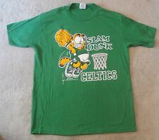 "BOSTON CELTICS - GARFIELD ""SLAM DUNK"" Green T-Shirt - SIZE M"
