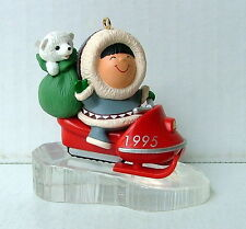 1995 HALLMARK KEEPSAKE FROSTY FRIENDS CHRISTMAS ORNAMENT ESKIMO SNOWMOBILE BEAR