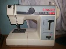 Singer featherweight plus Electric Sewing Machine + Accessories