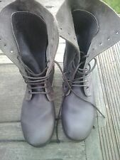 MENS/TOPSHOP MILITARY STYLE/10 EYELET BOOT.