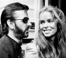 Ringo Starr and Barbara Bach UNSIGNED photo - H3184 - The Beatles drummer & wife
