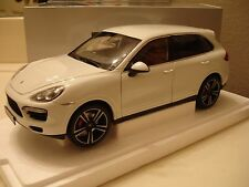 Minichamps 2011 Porsche Cayenne Turbo S White Dealer Edition 1/18 New! In Stock!
