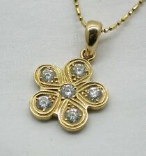 Vintage Beautiful 18ct Gold Flower Shaped 3/4 ct  Diamond Set Pendant And Chain