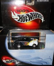 HOT  WHEELS  100%  : '41  WILLY  Includes  Display  Case  scale 1:64  yr.2000
