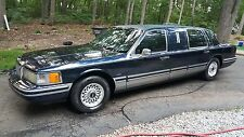 Lincoln: Town Car 4dr Sedan Ex