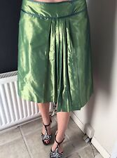 Gorgeous Green Skirt, Mango Size Small, Vintage Look!