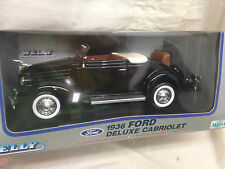 Welly 1936 Ford Deluxe Cabriolet Diecast Collectible Car Scale 1:18 {3.36}