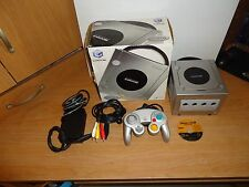Vintage Nintendo Gamecube Game Console (System) w/Original Box + Dragons Lair 3D