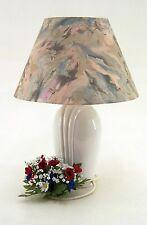 Moderne Tischlampe 1flammig weißer ovaler Porzellanfuß mit Relief  ca. 48,5 cm