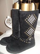 Genuine Black Ugg boots size 6 (39 size) Fabulous and so unusual. Worn twice