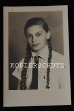 Original Porträt Foto wunderschönes BDM Mädchen mit Zöpfen