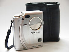 Fuji Finepix 4700 Vintage Digital Camera, St No u6651