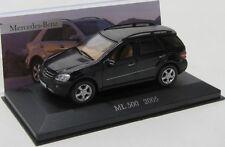 Mercedes Benz ML 500 / W164 ( 2005 ) schwarz / IXO 1:43