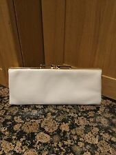 STYLISH LEATHER JANE SHILTON LIGHT CREAM CLUTCH PURSE GREAT CONDITION