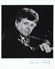 GORDON GETTY HAND SIGNED 10 X 8 PHOTOGRAPH