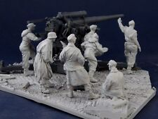 AC Models 1/35 WWII German Flak Gun Crew w/Base in Berlin 1945